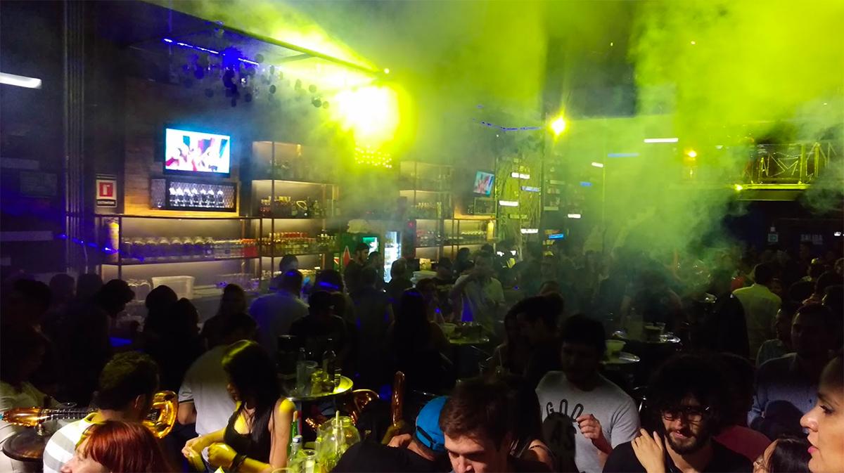 Filles des Boîtes de Nuit à Medellin